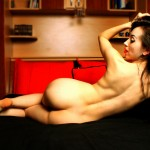 Une fille sexy nue devant sa webcam 06