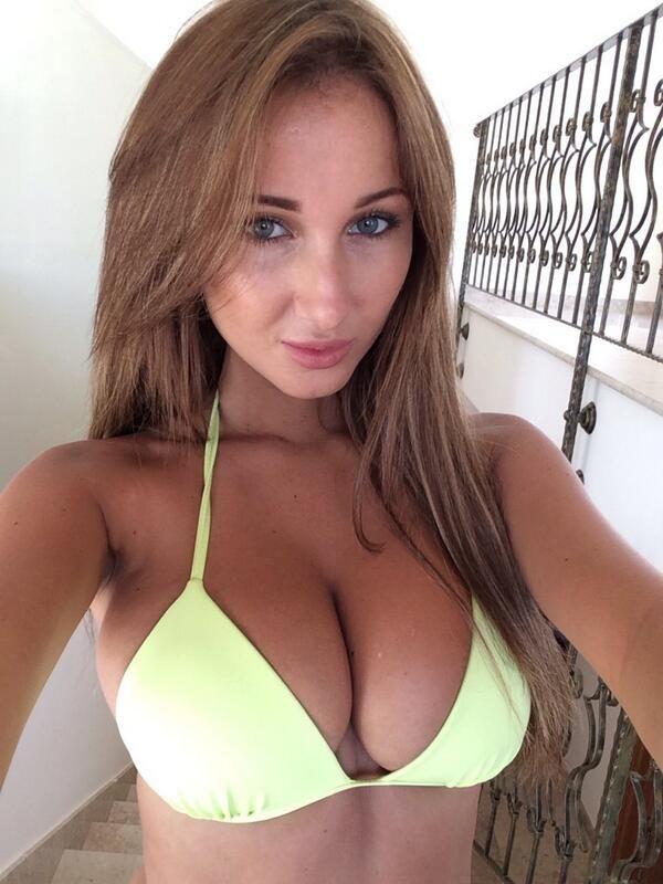 Sexy femme nue webcam en direct gratuitement 147