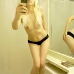 Sexy nue devant sa webcam 064