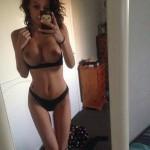 Sexy nue devant sa webcam 097