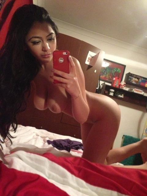 Sexy nue devant sa webcam 122